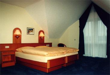 Hotel Garni Central in 50129 Steinheim-Bergheim