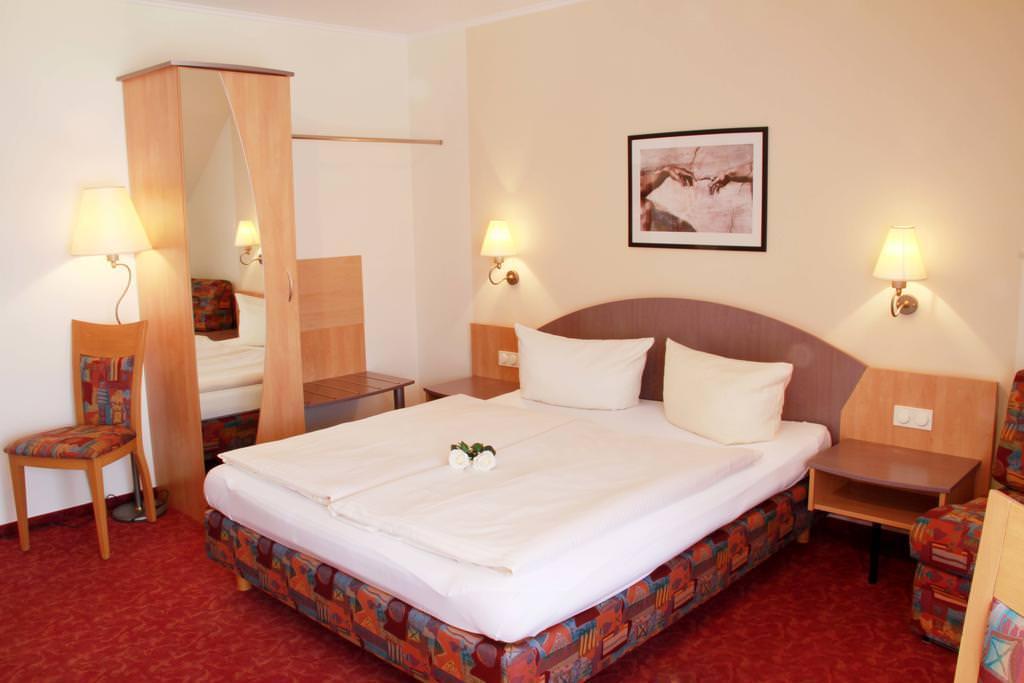 Zusmarshausen: Hotel & Gasthof Krone