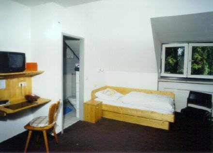Hotel & Gasthof Schießstätte Fremdenzimmer, 80995 München