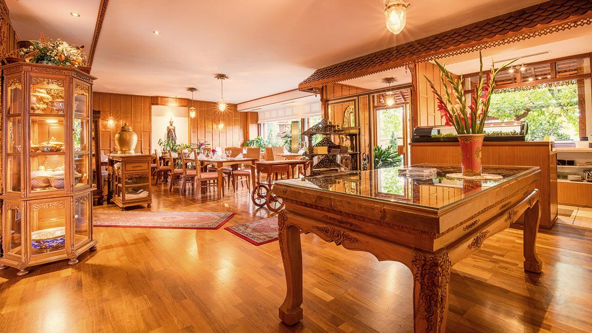 Hotel Pfauen Villa Thai Restaurant, Hotel in Umkirch bei Freiburg im Breisgau