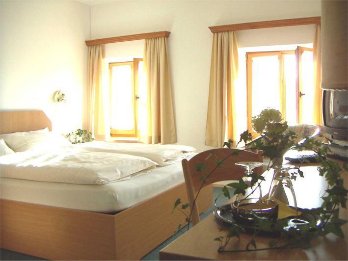 Pension Poschmühle, Pension in Traunreut bei Trostberg