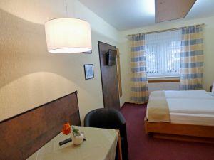 Fulda: Hotel & Restaurant Nußknacker