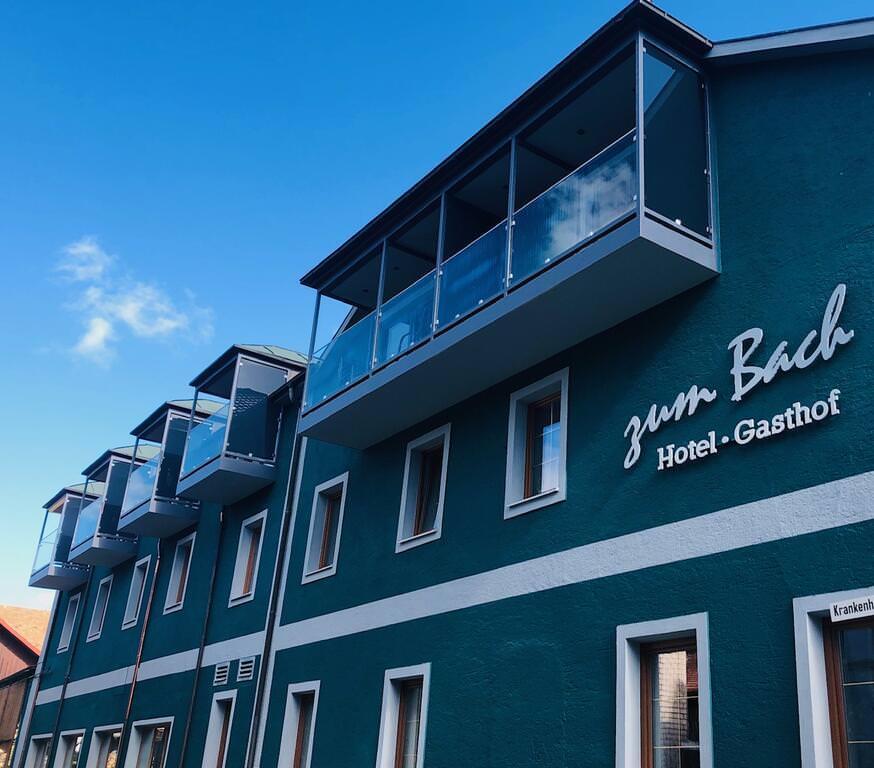 Neukirchen b. Hl. Blut: Hotel & Gasthof Zum Bach
