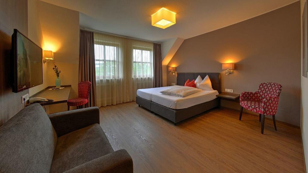 Odelzhausen: Hotel Garni Hotel Staffler &  Schreiners Restaurant