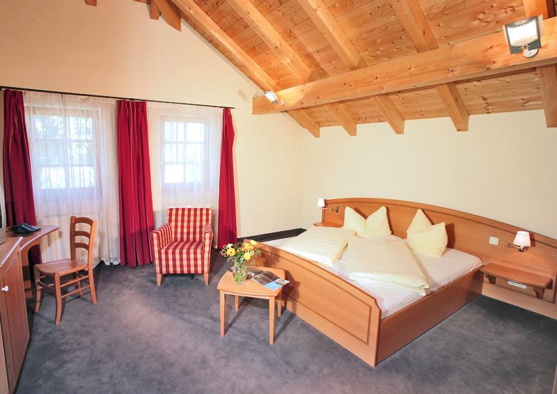 Gasthof Der Dorfwirt, Pension in St. Georgen Chiemgau bei Seeon