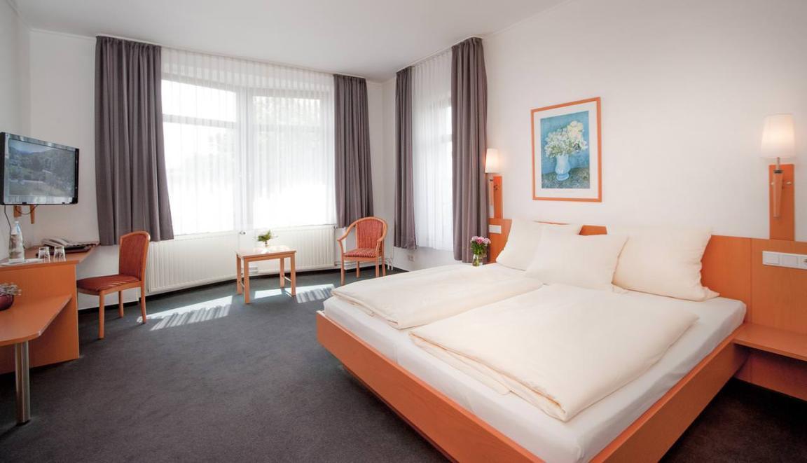 Halle: Hotel & Restaurant Hollmann