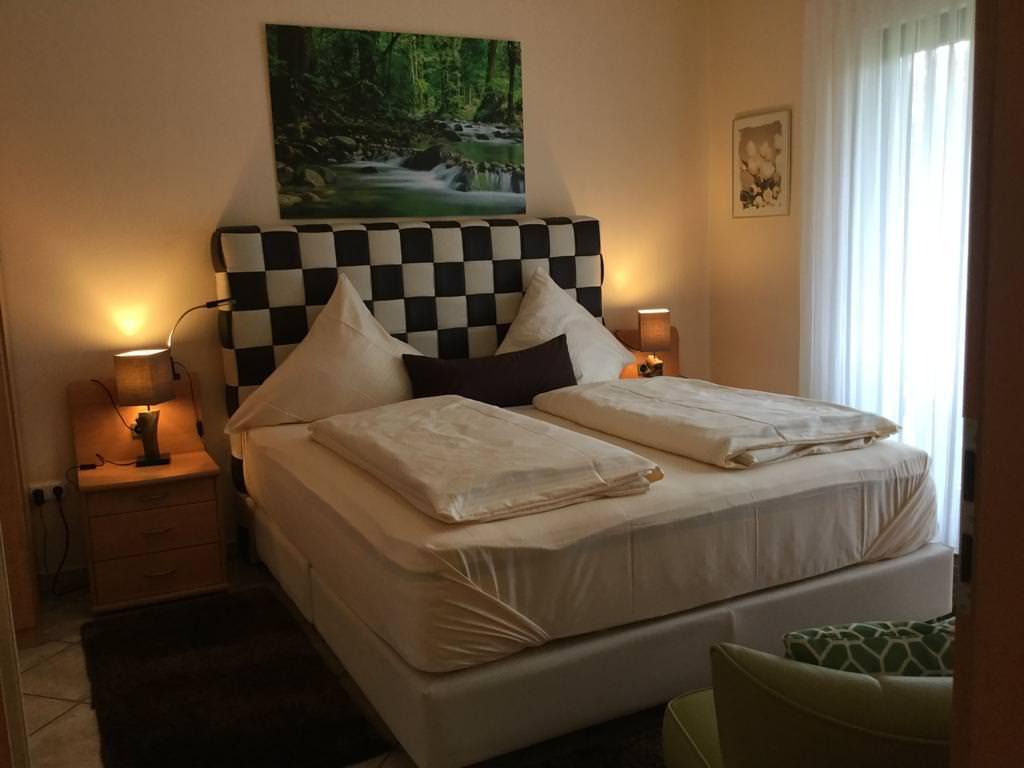 Gladenbach: Hotel & Restaurant Zu Jeddeloh's Rosengarten