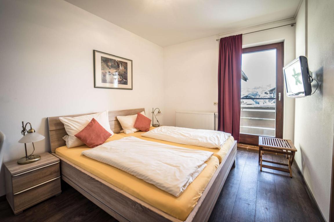Raubling: Hotel Garni Kapellenstüberl