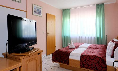 Ginsheim-Gustavsburg: Hotel-Weinhaus Wiedemann