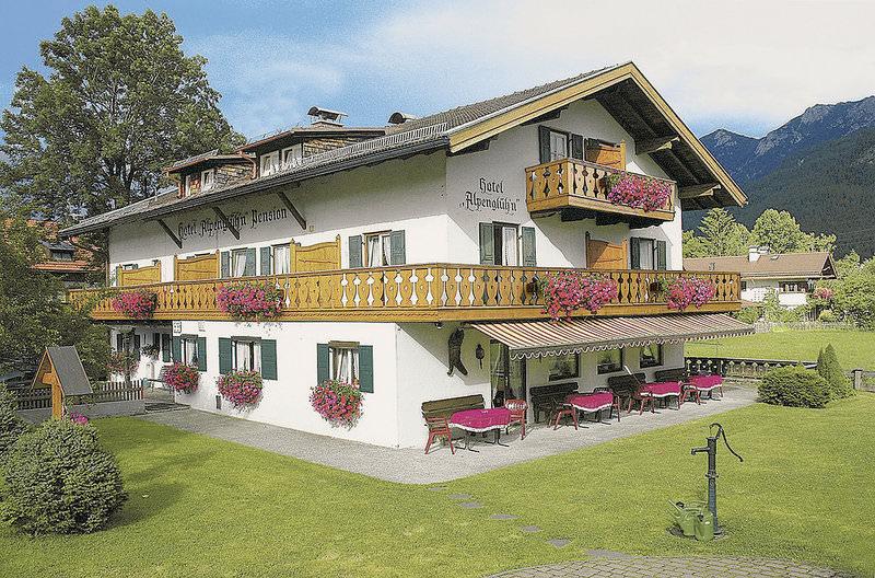 Hotel & Pension Alpenglüh'n, Hotel in Krün bei Wessobrunn