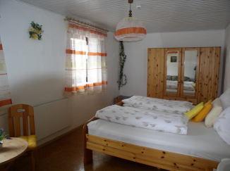 Gästehaus Monalisa , Monteurzimmer in Grabenstätt bei Trostberg
