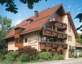 Pforzheim-Büchenbronn: Hotel Herrmannsee