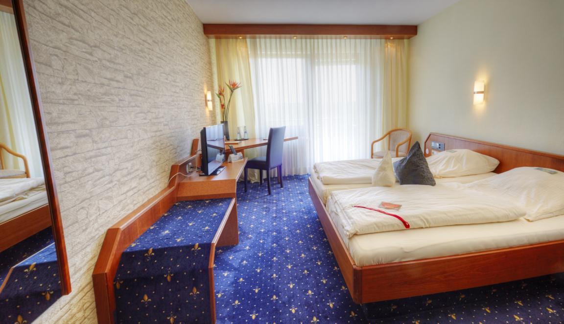Ostfildern-Kemnat:  Schlafking (Hotel Kemnater Hof)