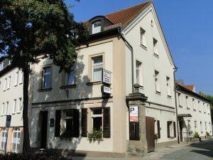 Pension Zum Edlen Hirschen mit Gästehaus ELFERT