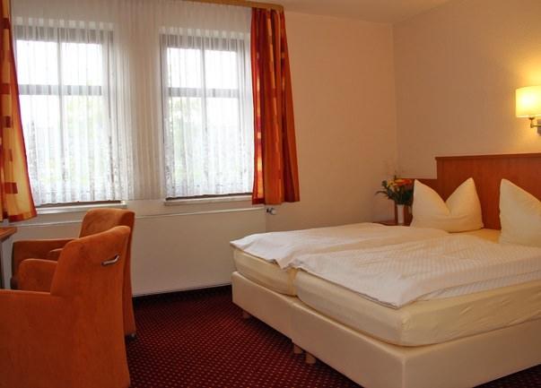 Oelsnitz/Vogtl.: Hotel & Restaurant Altdeutsche Bierstube