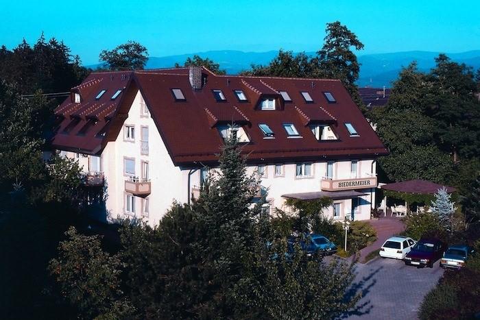 Hotel Appartements Biedermeier, Hotel in Bad Krozingen bei Freiburg im Breisgau