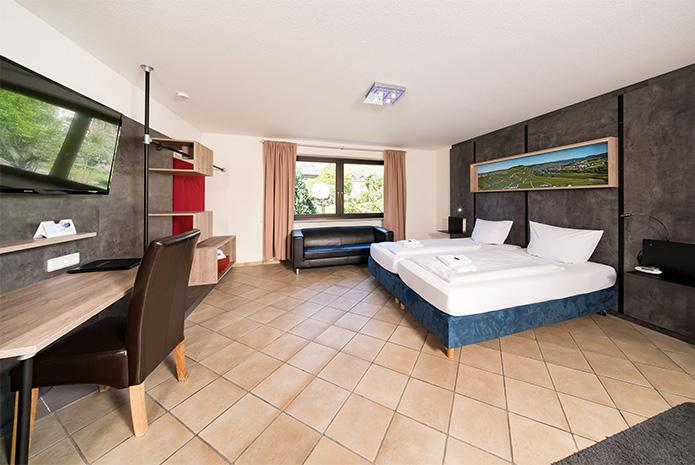 Osann-Monzel: Hotel & Restaurant Moselsteig
