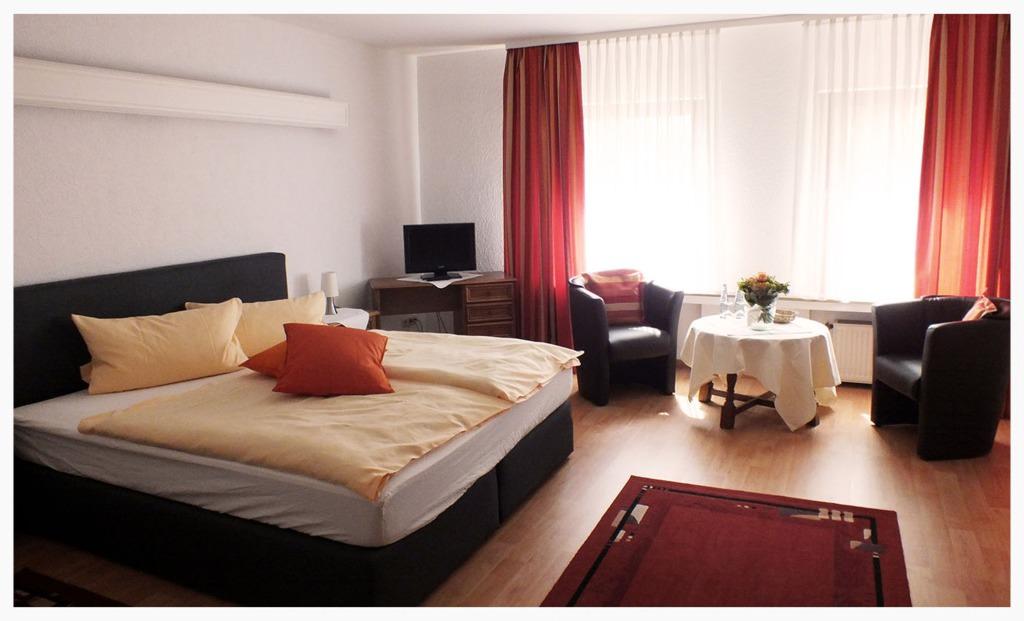 Hotel Mölleckens Altes Zollhaus, Monteurzimmer in Mülheim -Speldorf bei Duisburg