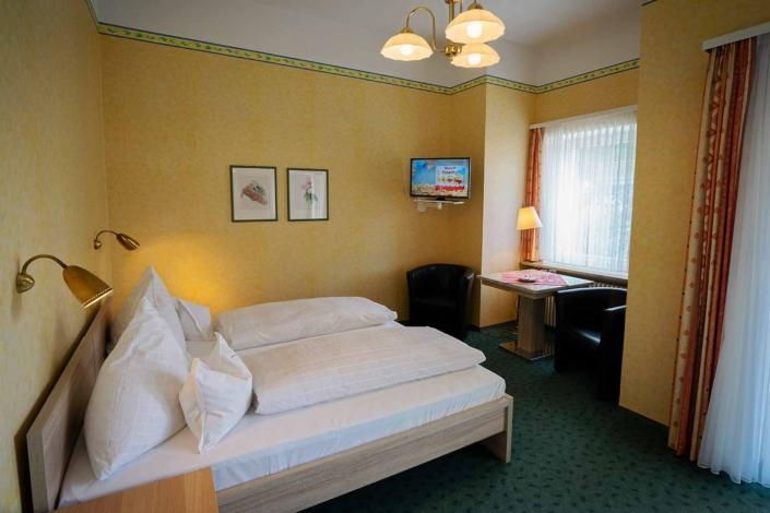 Bad Reichenhall: Hotel & Pension Erika