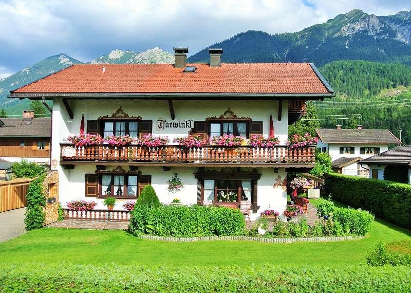 Pension Gästehaus & Ferienwohnungen Isarwinkel-Kruen P****