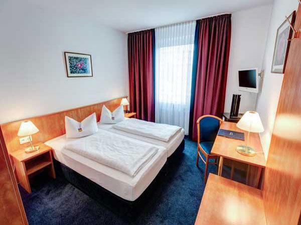 Hotel Antares, Hotel in München