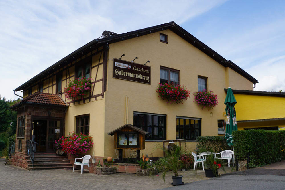 Ferienwohnung Hotel Zum Habermannskreuz, Ferienwohnung in Erbach bei Neckarsteinach
