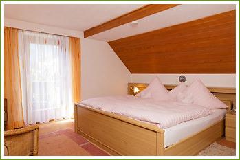Gästehaus Lämmer, Monteurzimmer in Oberammergau bei Steingaden