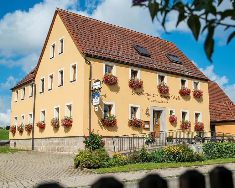 Steinsfeld: Gasthaus-Pension Zur Neuen Welt