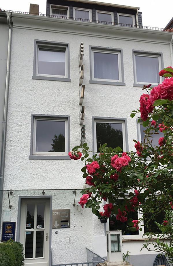 Bremen-Hastedt: Hotel Garni KRONE-Weser Perle