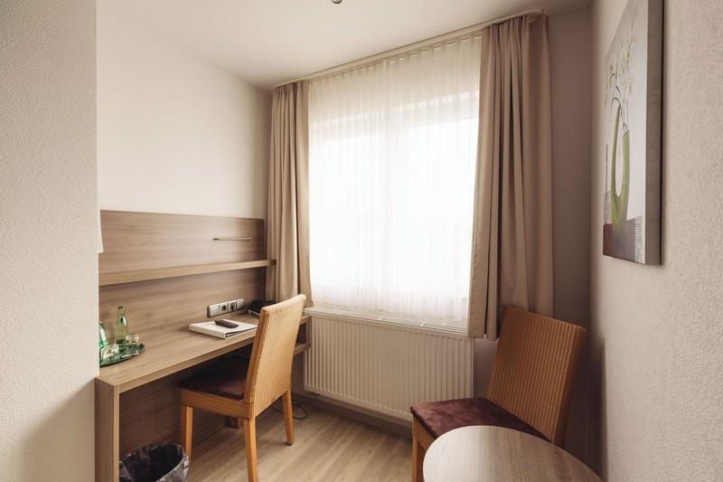 Hildesheim-Itzum: Landgasthof Zur scharfen Ecke***
