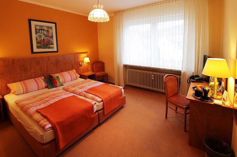 Hotel & Pension-Cafe Mertens, Hotel in Altenbeken bei Detmold
