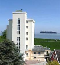 Cuxhaven-Döse: Seehotel Neue Liebe***