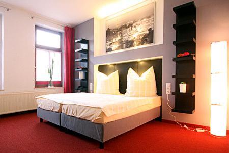 Hotel Garni SL'otel Stadthotel in Bernburg in 06406 Bernburg