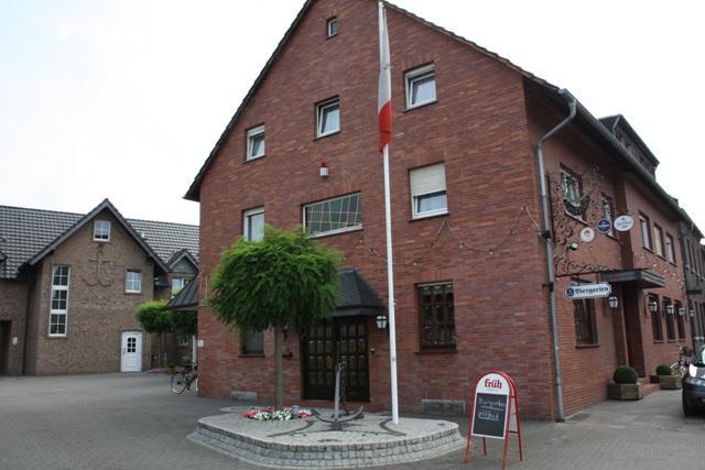Dormagen:  Haus Schönewald