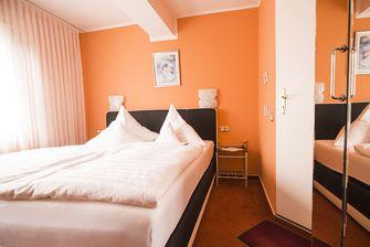 Hennef: Hotel & Restaurant Stadt Hennef