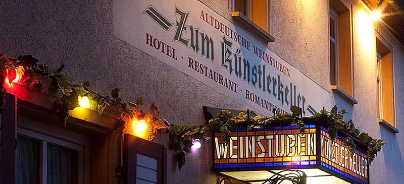 Hotel Altdeutsche Weinstuben - Zum Künstlerkeller, Hotel in Freyburg bei Braunsbedra