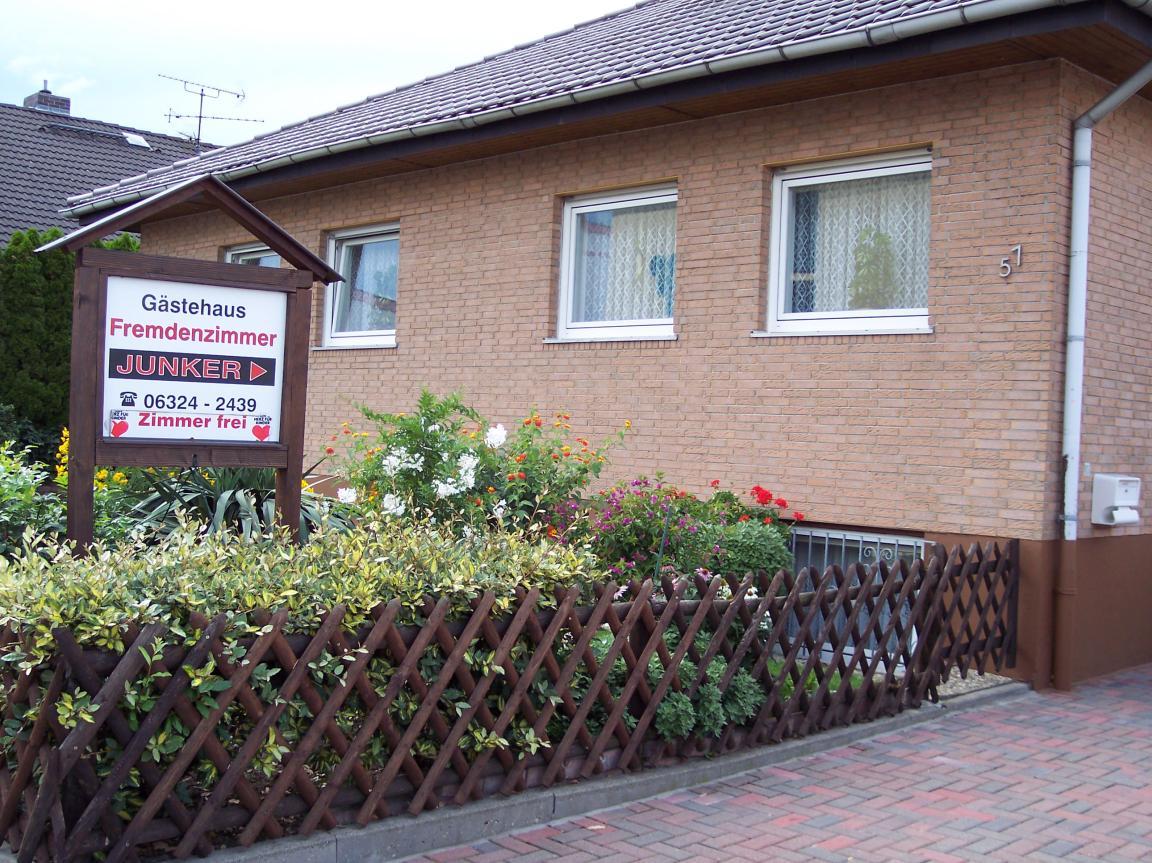 Gästehaus Junker, Pension in Haßloch bei Deidesheim
