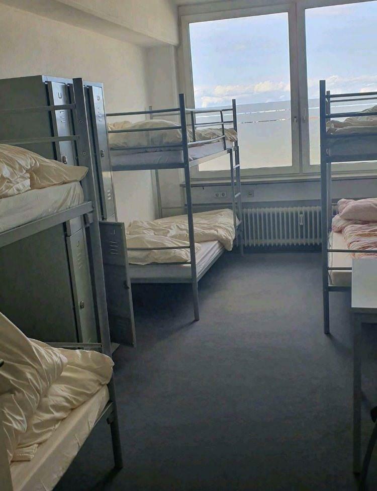 Hostel Central Sleep, Pension in München