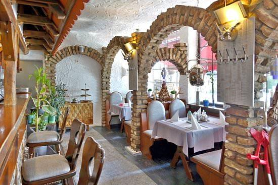 & Restaurant Burgfahrt, Pension in Frechen
