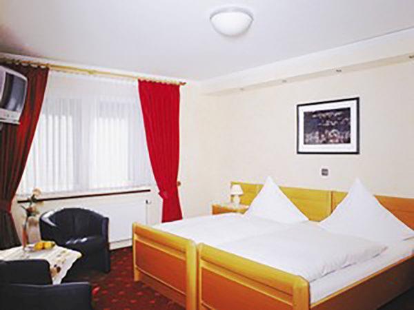 Simmerath: Hotel & Restaurant Seemöwe