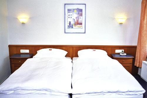 Lohmar: Hotel & Restaurant Zur alten Fähre