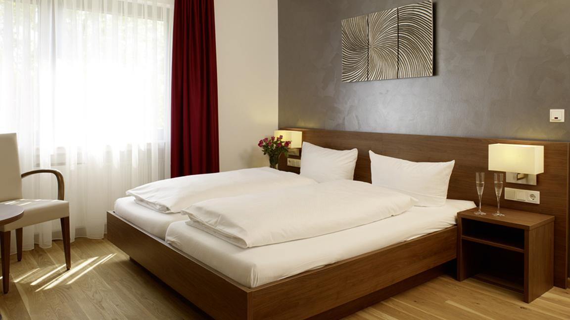 Longuich: Hotel & Restaurant Zur Linde