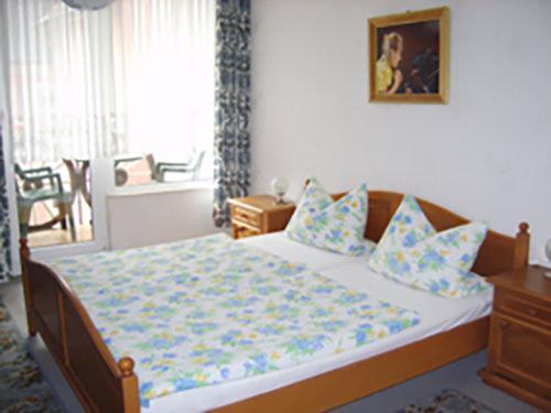 Gästehaus A. Moseler, Pension in Kröv bei Flughafen Frankfurt-Hahn