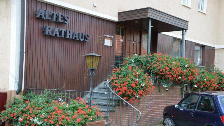 Kornwestheim: Altes-Rathaus – Hotel Garni