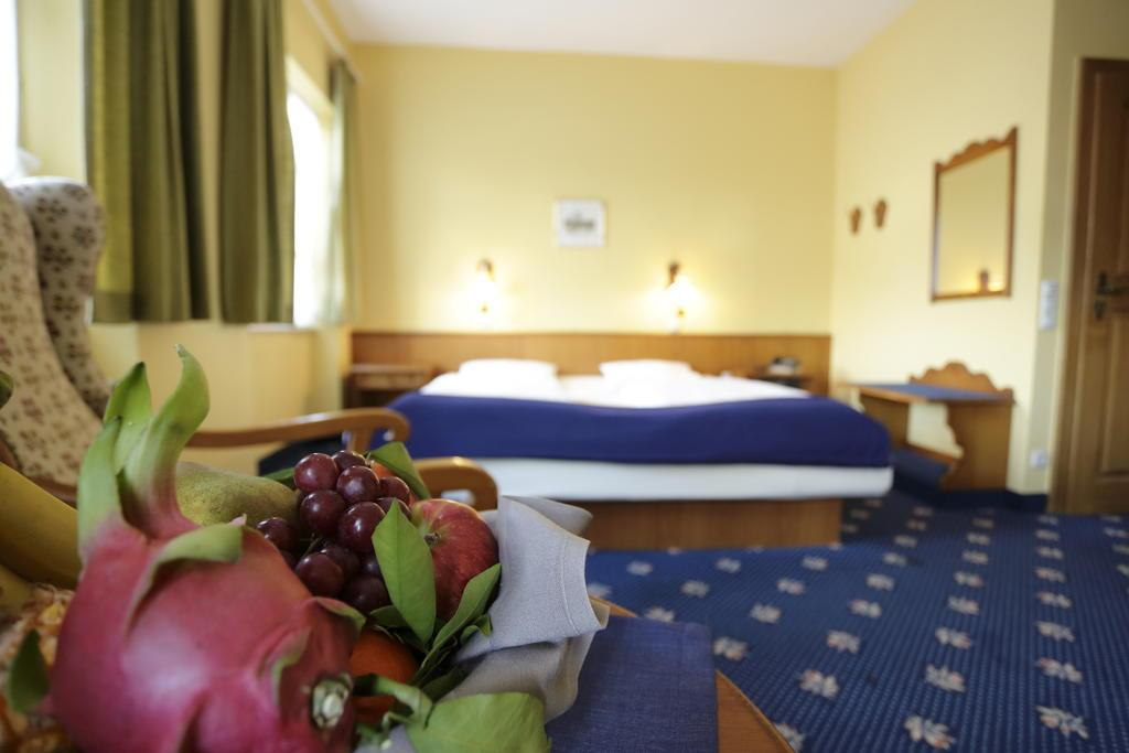 Jagdhotel Rose, Pension in Miltenberg