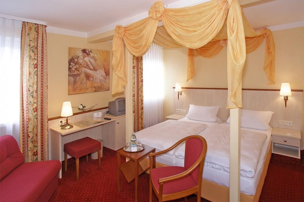 Landhotel Zum Stern, Pension in Rüdenau bei Vielbrunn