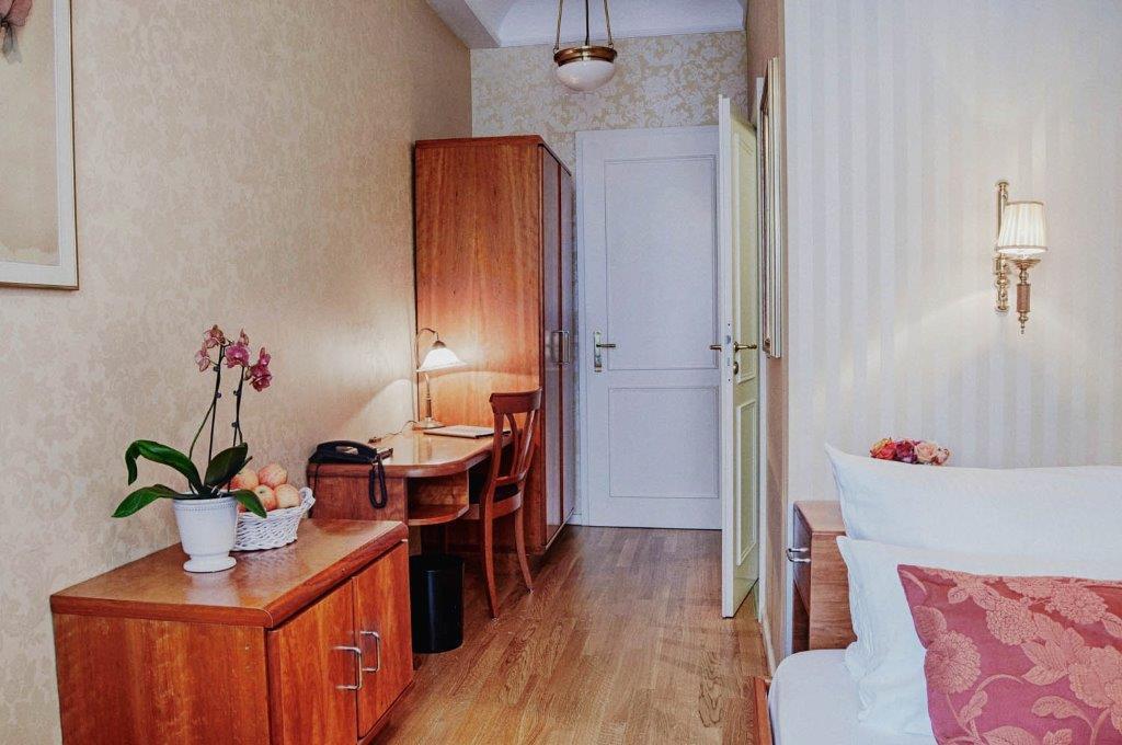 Drei Lilien, Pension in Wiesbaden