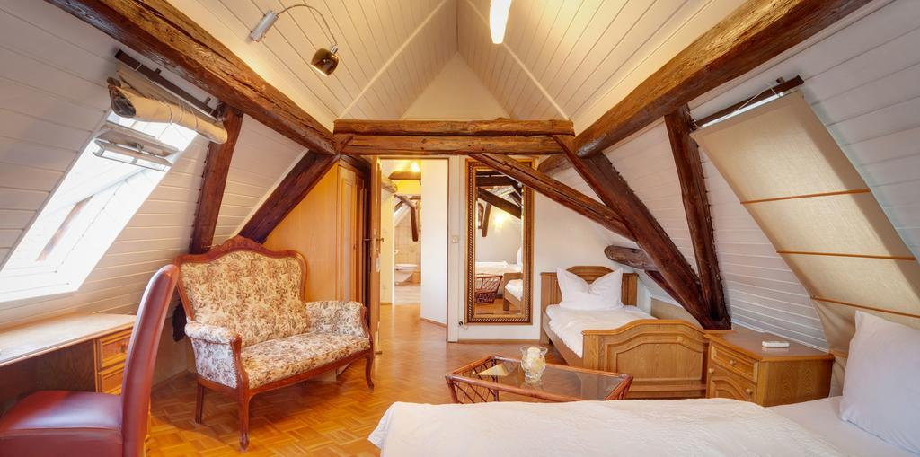 Ginsheim-Gustavsburg: Hotel & Restaurant Rheinischer Hof