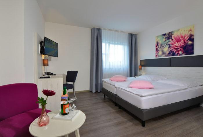 Hotel-Landhaus Elbert, Hotel in Rheinböllen bei Traisen