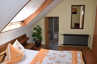 Pension & Gasthaus zum Hahn, Pension in Auen bei Windesheim